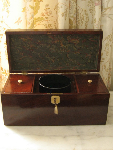George III mahogany tea caddy