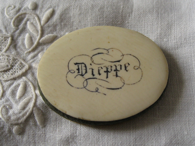 Antique ivory sewing pinwheel souvenir Dieppe