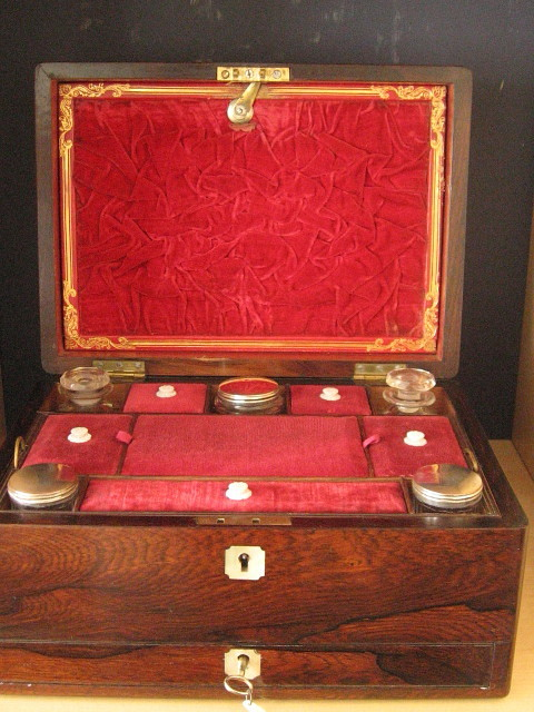 Victorian rosewood jewellery and vanity box